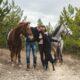Over 45 con cavalli e cani: quanti benefici per la salute!